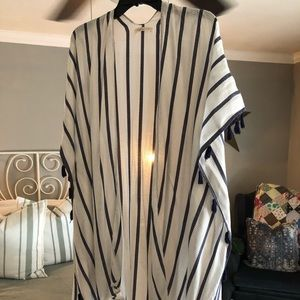 Tops - Blue and white stripped shawl